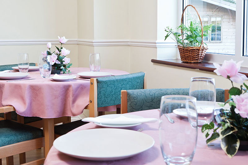 Silverpoint Court Dining