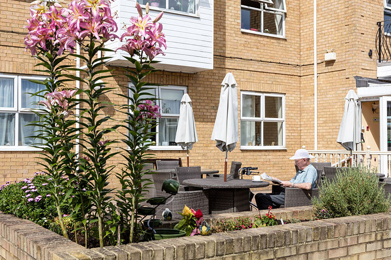 Silverpoint Court Outdoor Patio